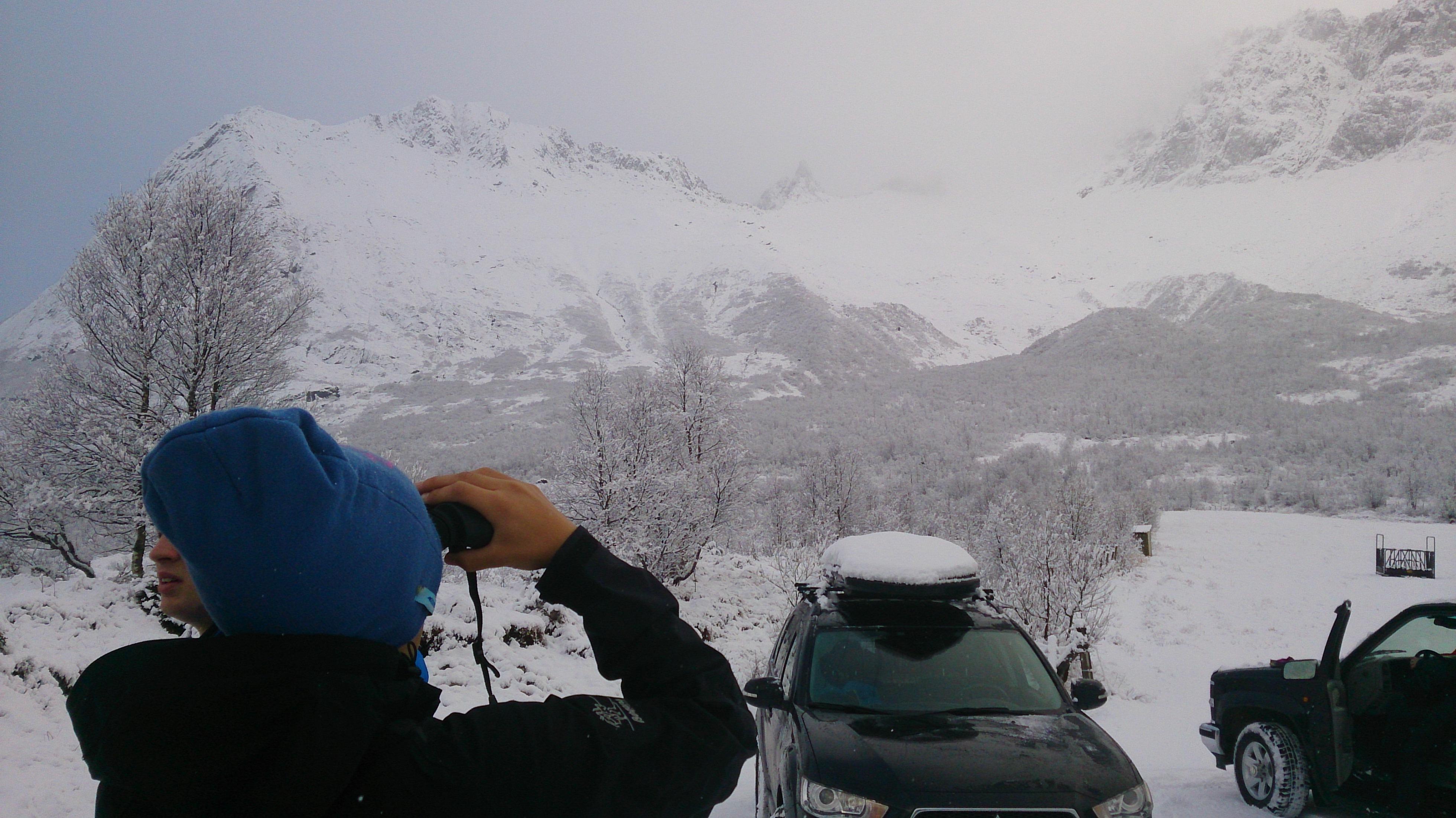 Snøen begynner å legge seg opp mot Fingeren