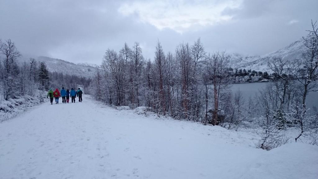 Klassen på tur i vinterland i Grøndalen!