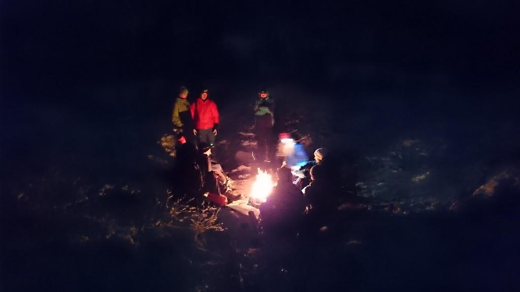 Stemning rundt bålet