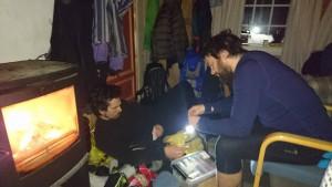Sindre og Tor-Erik spiller kort